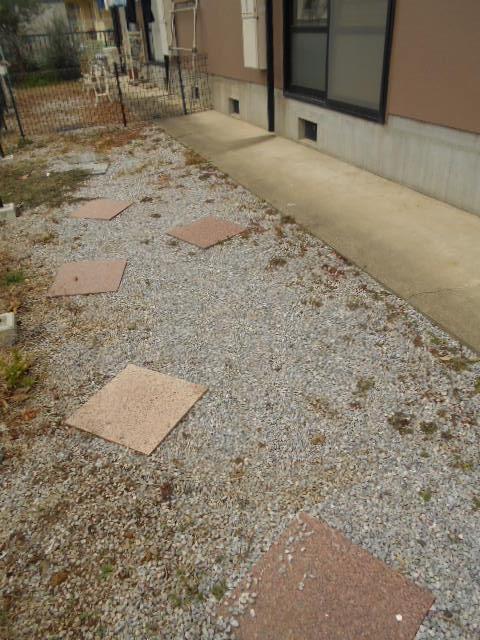 ヴァンヴェールA 101号室の庭