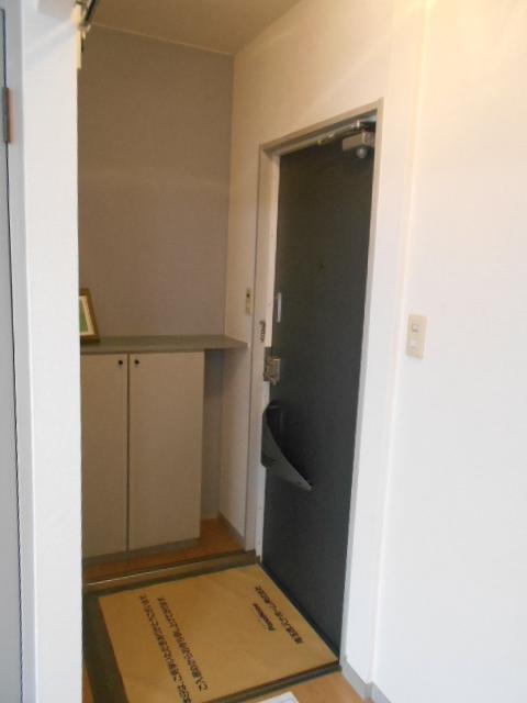 ヴァンヴェールA 101号室の玄関