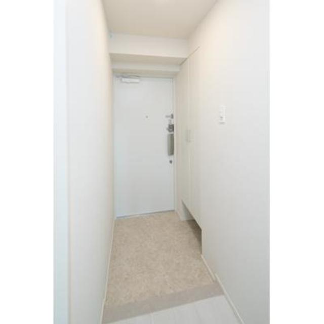 グランクリュ新宿御苑 801号室の玄関