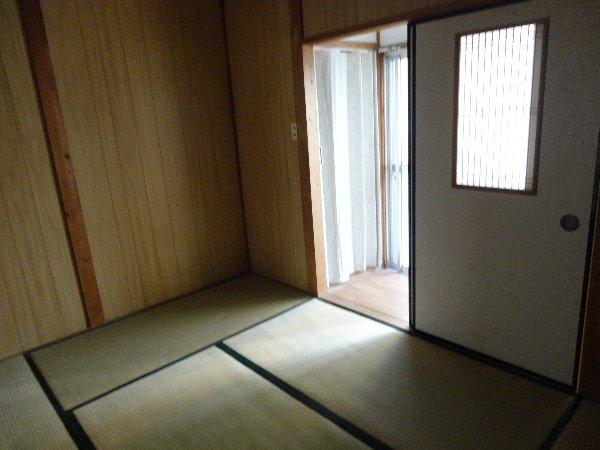 富貴ハイツ 207号室のリビング