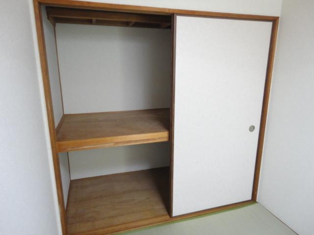 鷺森荘 10号室の収納