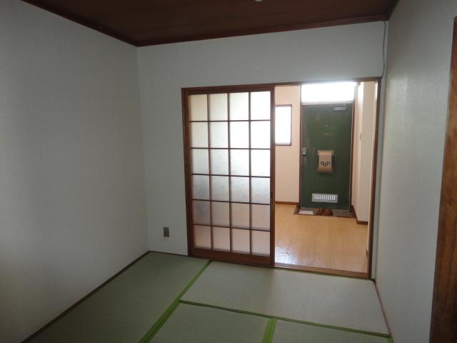鷺森荘 10号室のリビング