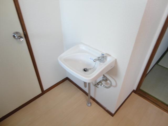 鷺森荘 10号室の洗面所