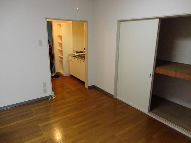 第一中原グリーンハイツ 102号室の収納