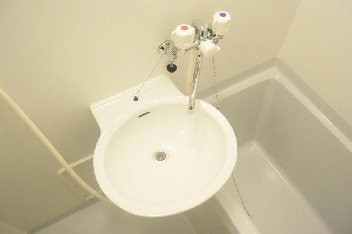 レオパレス南桜塚 204号室の洗面所