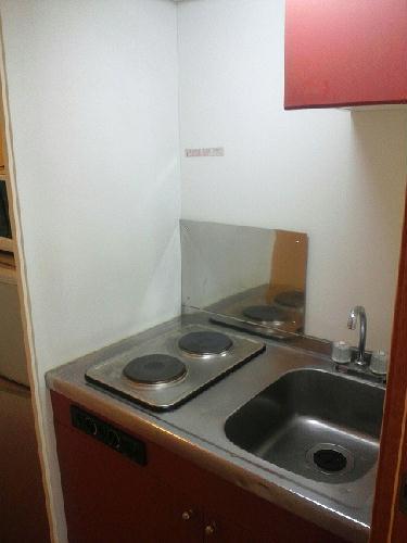 レオパレスM 101号室のキッチン