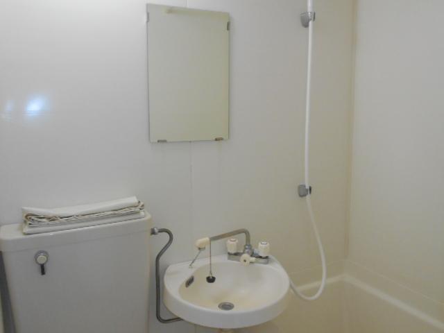 シェール西の京 301号室の洗面所
