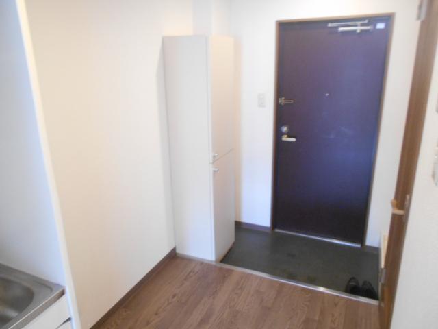 キャピタルミサト 307号室の玄関