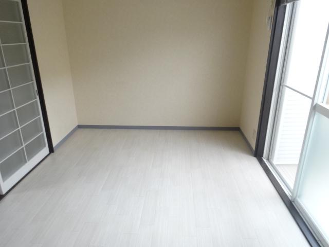 ブルーインKIMURA 203号室のリビング