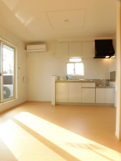 ビアンカ ローザ 赤坂 02040号室のリビング