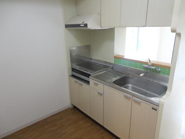 メゾン・ド・パイユ 408号室のキッチン