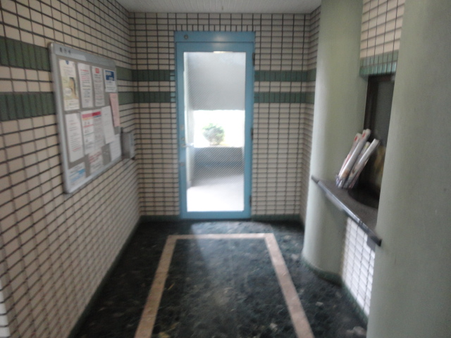 メゾン・ド・パイユ 408号室のロビー