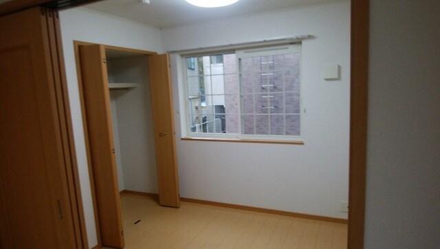 母屋 01030号室のリビング