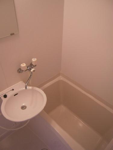 レオパレスエトワール城南 205号室の風呂