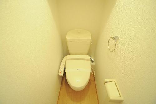 レオパレスUrban桂坂 303号室のトイレ
