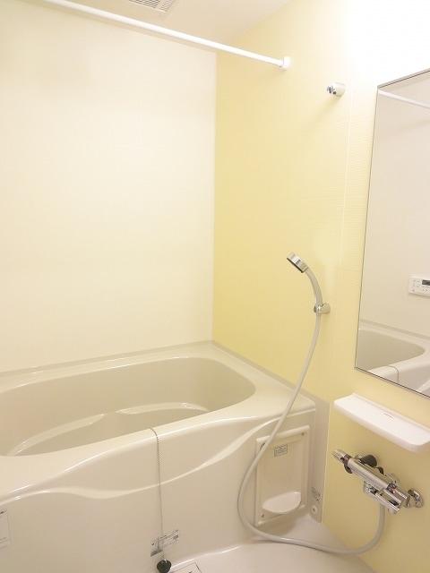 エィチワイティⅡ 02010号室の風呂