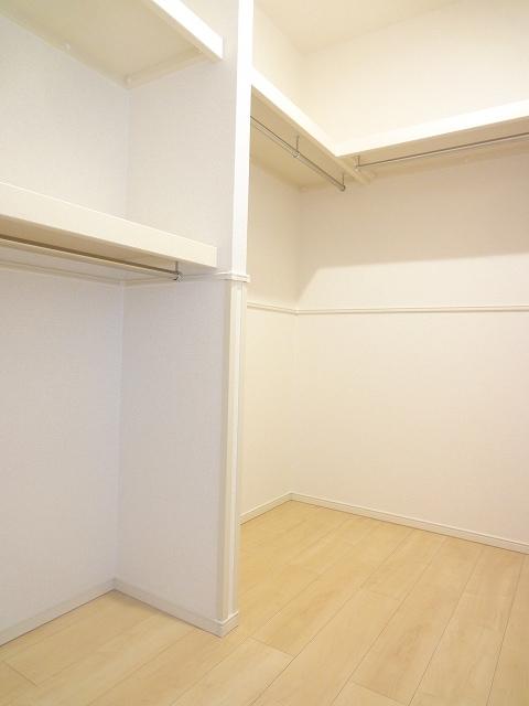 エィチワイティⅡ 02010号室の収納