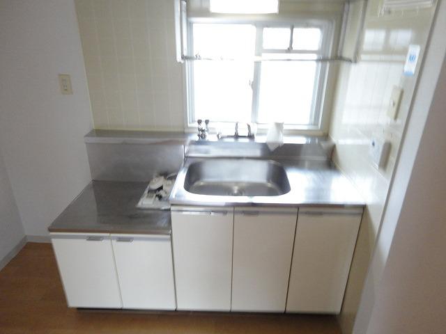 メゾン・ド・シプレ 303号室のキッチン