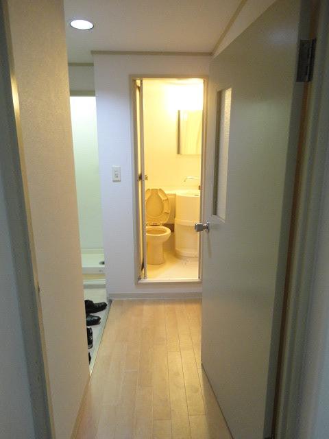 メゾン・ド・シプレ 303号室の玄関