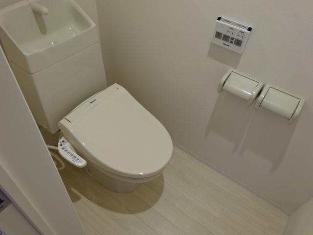 フルラージュ 203号室のトイレ