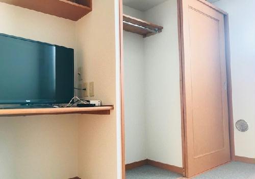 レオパレスM 204号室の収納