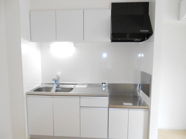 ファミール木幡 01060号室のキッチン