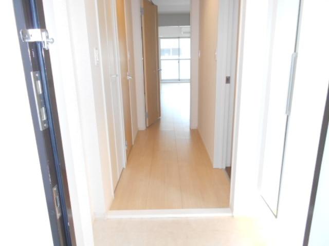 アサンテ サーナ 02020号室の玄関