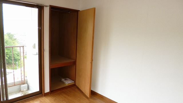 グリーンヒル富塚 201号室の収納