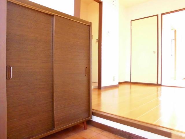エルディム早川 01060号室の玄関