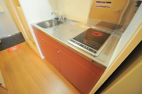 レオパレスコーポ西新道バザール 101号室のキッチン