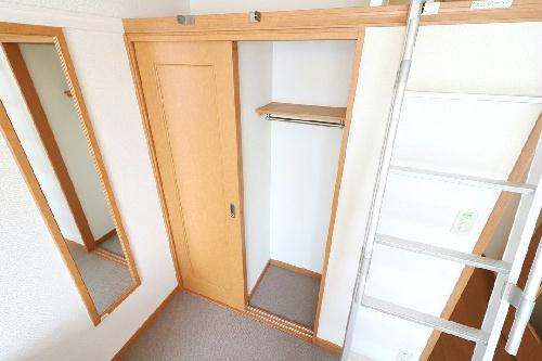 レオパレスエヴァーグリーン 206号室の収納