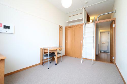 レオパレスエヴァーグリーン 206号室のリビング