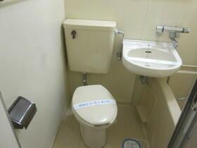 メゾン・ド・パンドール 0101号室のトイレ