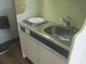 メゾン・ド・パンドール 0101号室のキッチン