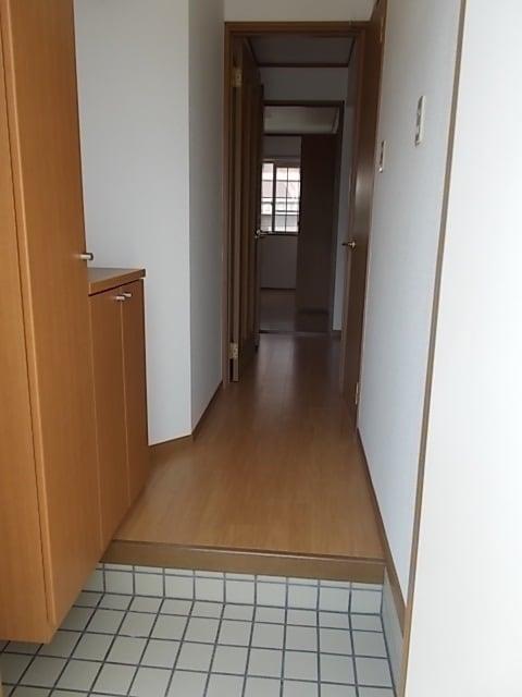 ビバーチェⅠ 01020号室の玄関