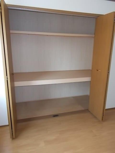 ビバーチェⅠ 01020号室の収納