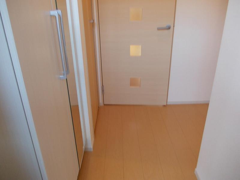 ガレント 01040号室の玄関