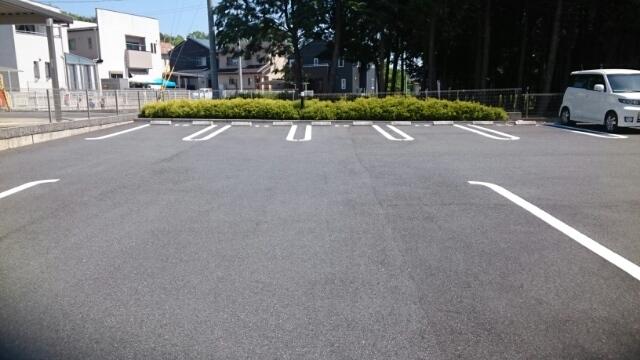 ガレント 01040号室の駐車場