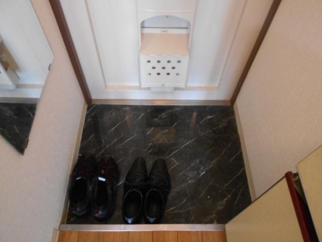 第12長栄セントラルシティーハイツ 105号室の玄関