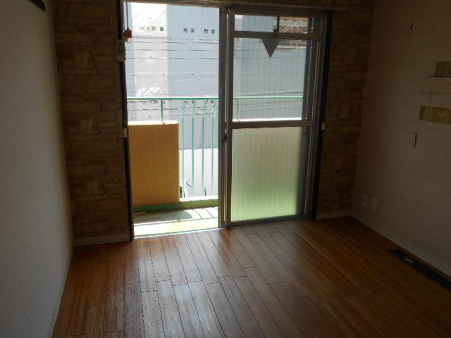 第12長栄セントラルシティーハイツ 105号室のベッドルーム