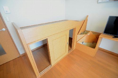 レオパレスKIZUGAWA 106号室のリビング