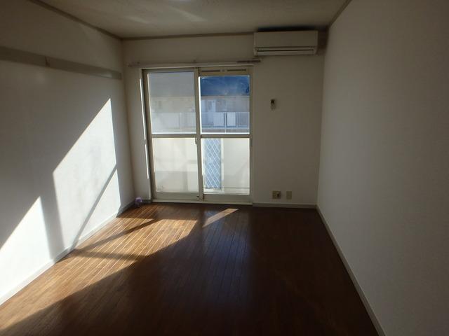 ハス ニューハウン A102号室のリビング