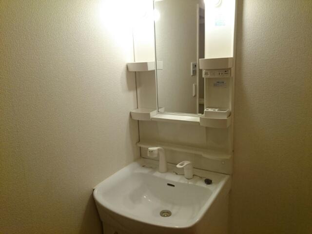 ステイションランドナガタキ 02020号室の洗面所
