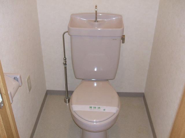 コンフォールきたんまち 213号室のトイレ