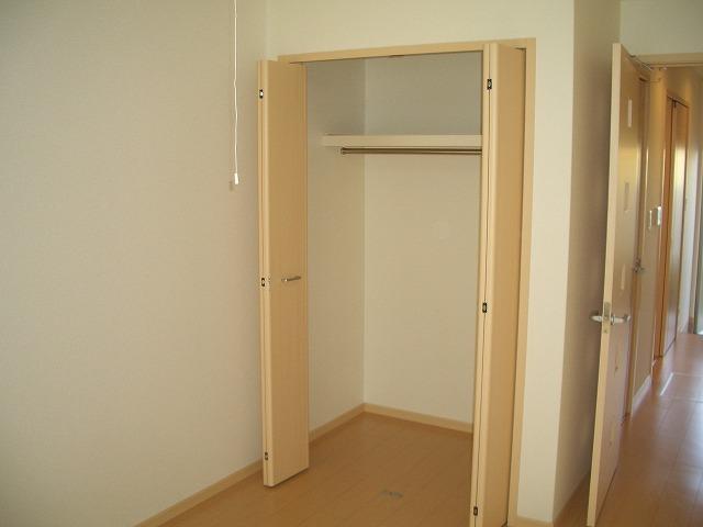 ソレイユ 01040号室の収納