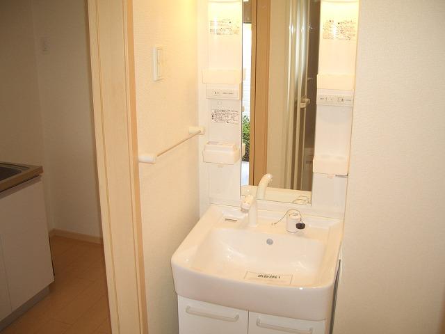ソレイユ 01040号室の洗面所