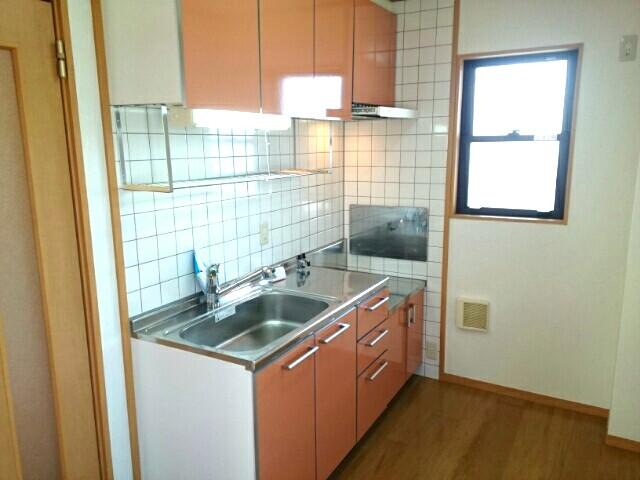 アルモニー綾園 02010号室のキッチン