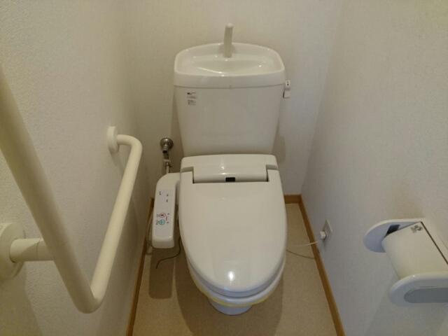 アルモニー綾園 02010号室のトイレ
