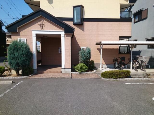 アルモニー綾園 02010号室の駐車場