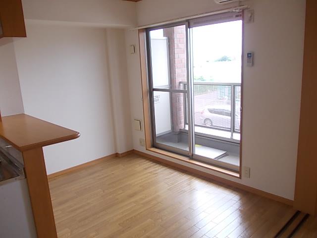 クリスタルウイング輝 03050号室のバルコニー